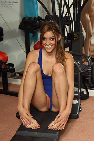Melanie Rios Stretches Pussy ans Works Out from ALS Scan