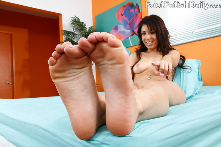 Natalie nunez feet toes apologise, but