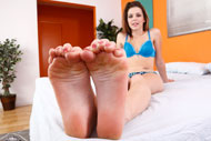 Babes Take Turns Licking Toes and Eating Pussy from Foot Fetish Daily