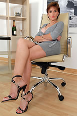 Cleavage legs and sexy heels milf from Lady Sonia