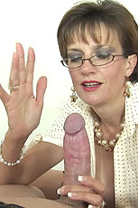 Very kinky milf gives slave handjob from Lady Sonia